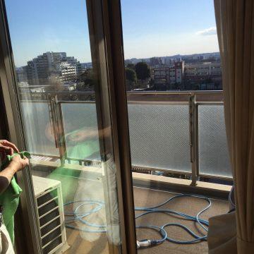 大阪市西区で窓ガラスクリーニング