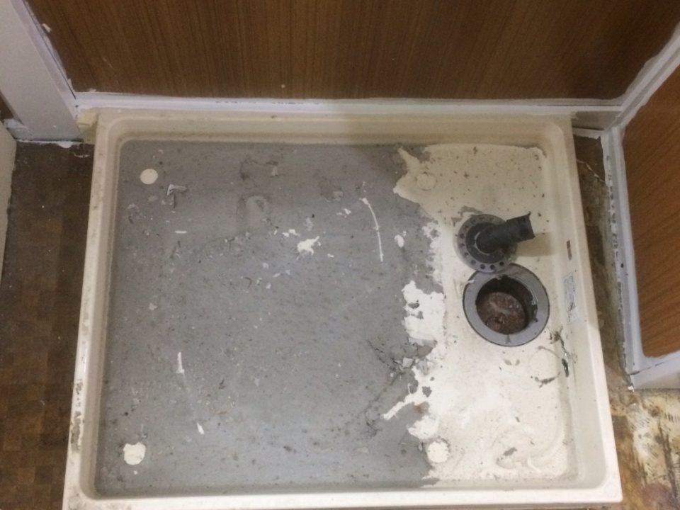 東京都新宿区で洗面室クリーニング [before]