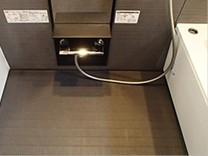 大阪市南森町、ウィステリア大阪天満宮で浴室クリーニング