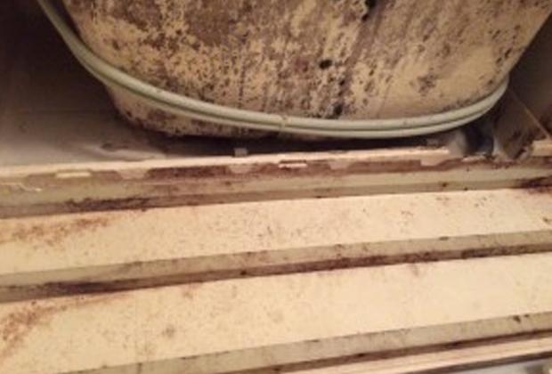 大阪市住之江区住之江の安住公園近くの戸建て住宅で浴室クリーニング [before]