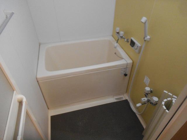 奈良県生駒市俵口町、セントポリア生駒で浴室クリーニング [after]